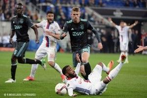 Аякс поступився Ліону, але вийшов у фінал Ліги Європи