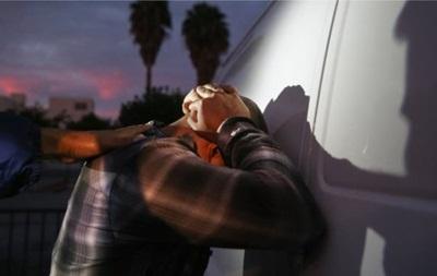 У США поліція затримала більше тисячі членів злочинних банд