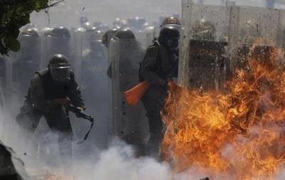 В Венесуэле тысячи автомобилистов выехали на акции протеста