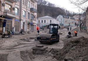 Попов прокомментировал снос зданий на Андреевском спуске