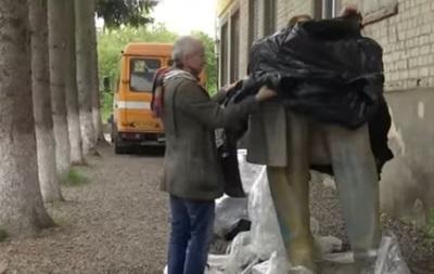 Из Украины в Манчестер вывезут памятник Энгельсу