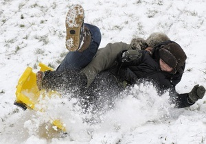 Немецкий учитель получит компенсацию за обстрел снежками от учеников