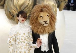 Фотогалерея: Король лев. Haute Couture осень-зима 2011