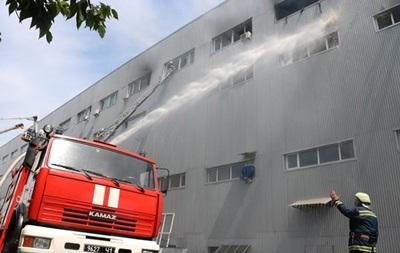 Пожежу на Лісовій у Києві гасили п ять годин