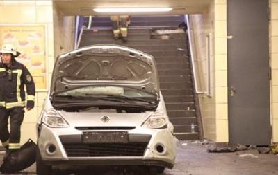 У Берліні автомобіль заїхав на станцію метро