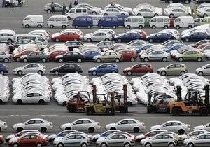 За ввоз старых автомобилей покупатель может заплатить налог в 40-кратном размере