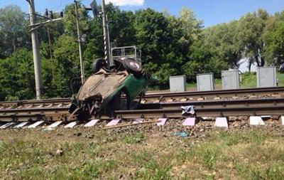 На Чернігівщині поїзд розчавив  Запорожець , є жертви