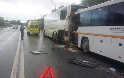 Під Москвою зіткнулися два автобуси: 13 постраждалих