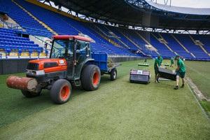 Шахтар зайнявся поліпшенням поля стадіону в Харкові