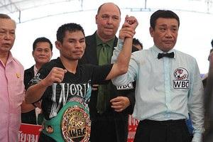 Тайський боксер Менайотін наблизився до рекорду Мейвезера