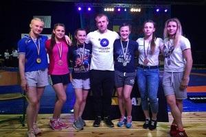 Львівські вольниці виграли чотири золота в перший день ЧУ з боротьби
