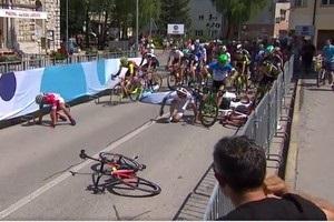 Відео моторошного падіння на фініші Тура Словенії