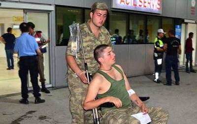 У Туреччині отруїлися понад 700 військових