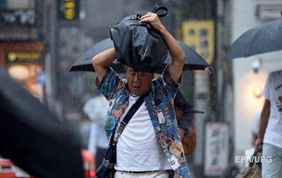 Десятки тысяч японцев эвакуируются из-за ливневых дождей