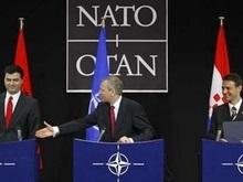 Албанию и Хорватию приняли в НАТО