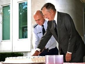 Путин поздравил Буша-старшего с юбилеем и поблагодарил за интерес к России