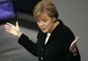 Канцлер Меркель предлагает грекам референдум о евро