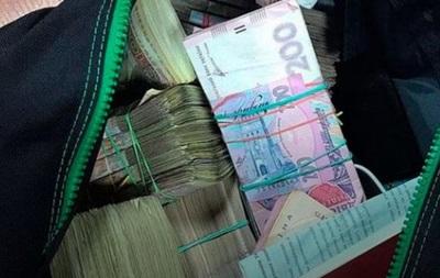 В Киеве у мужчины отобрали сумку с несколькими миллионами
