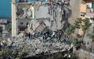 При обваленні будинку в Неаполі загинули вісім осіб