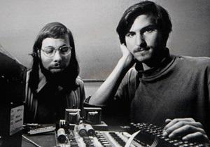 Контракт об основании Apple продали за $1,6 млн