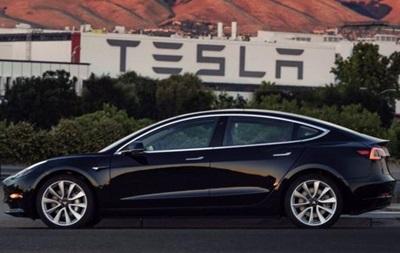 Илон Маск показал  дешевую  Tesla