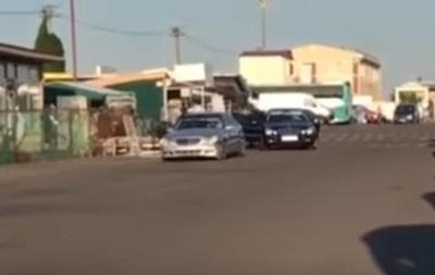 В Одесі зі стріляниною пограбували киян