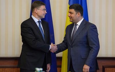 Київ може отримати третій транш від ЄС у грудні