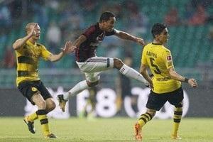 Дубль Обамеянга принес Боруссии победу над Миланом