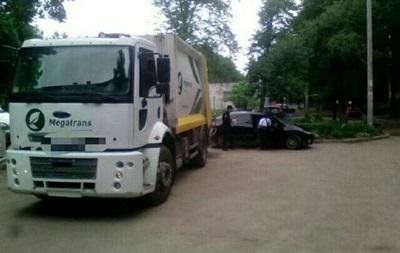 У Харкові водій сміттєвоза під дією наркотиків скоїв ДТП