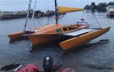 Українець на плоту плив до Туреччини, але його затримали