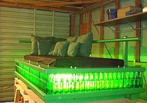 Житель Новой Зеландии выставил на аукцион кровать из пивных бутылок