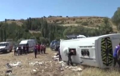 У Туреччині перекинувся автобус з туристами