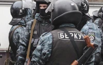 Суд продлил арест пяти экс-беркутовцев