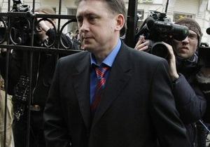 Адвокат: Мельниченко готов встретиться со следователями в любой стране