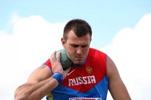 Российский легкоатлет на чемпионате мира наорал на судью и назвал его уродом