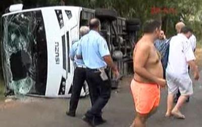В Анталії розбився автобус із туристами: 20 постраждалих