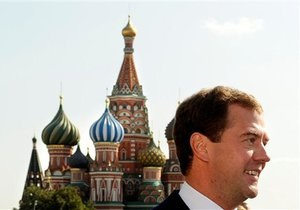 Медведев пригласил лидеров стран СНГ в Москву