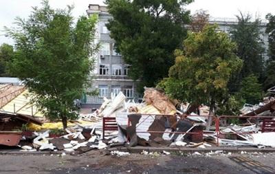 У Києві біля КПІ знесли вуличні торгові точки