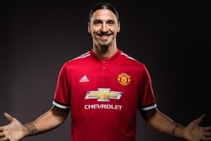 Ібрагімович підписав контракт із Манчестер Юнайтед