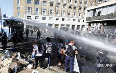 Выселение мигрантов в Риме закончилось стычками с полицией