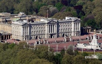 Нападение на полицию у Букингемского дворца расследуют как терроризм