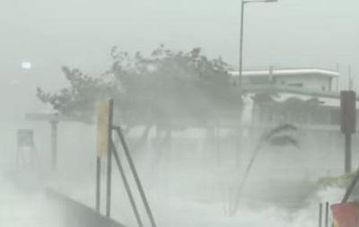 Мощность урагана Харви снижена