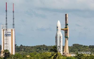 Запуск ракеты-носителя Ariane-5 со спутниками отложен в последний момент