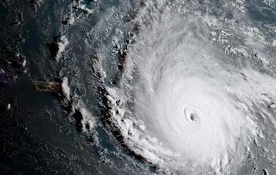Мощнейший за всю историю в Атлантике ураган Ирма достиг Кариб
