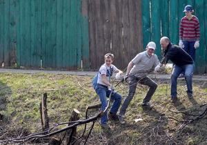Толока- субботник - II Большая киевская толока -На Большую киевскую толоку вышли более 106 тысяч горожан