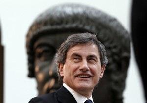 Мэр Рима распустил столичное правительство