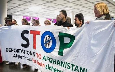 Німеччина відновила депортацію афганців
