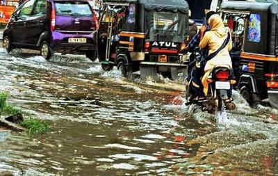 В Індії через шторм загинули 12 осіб