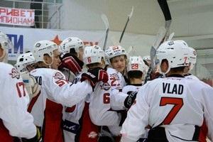 УХЛ: Донбас переміг Динамо на виїзді, закинувши 8 шайб