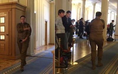 Савченко пришла в Раду в камуфляже